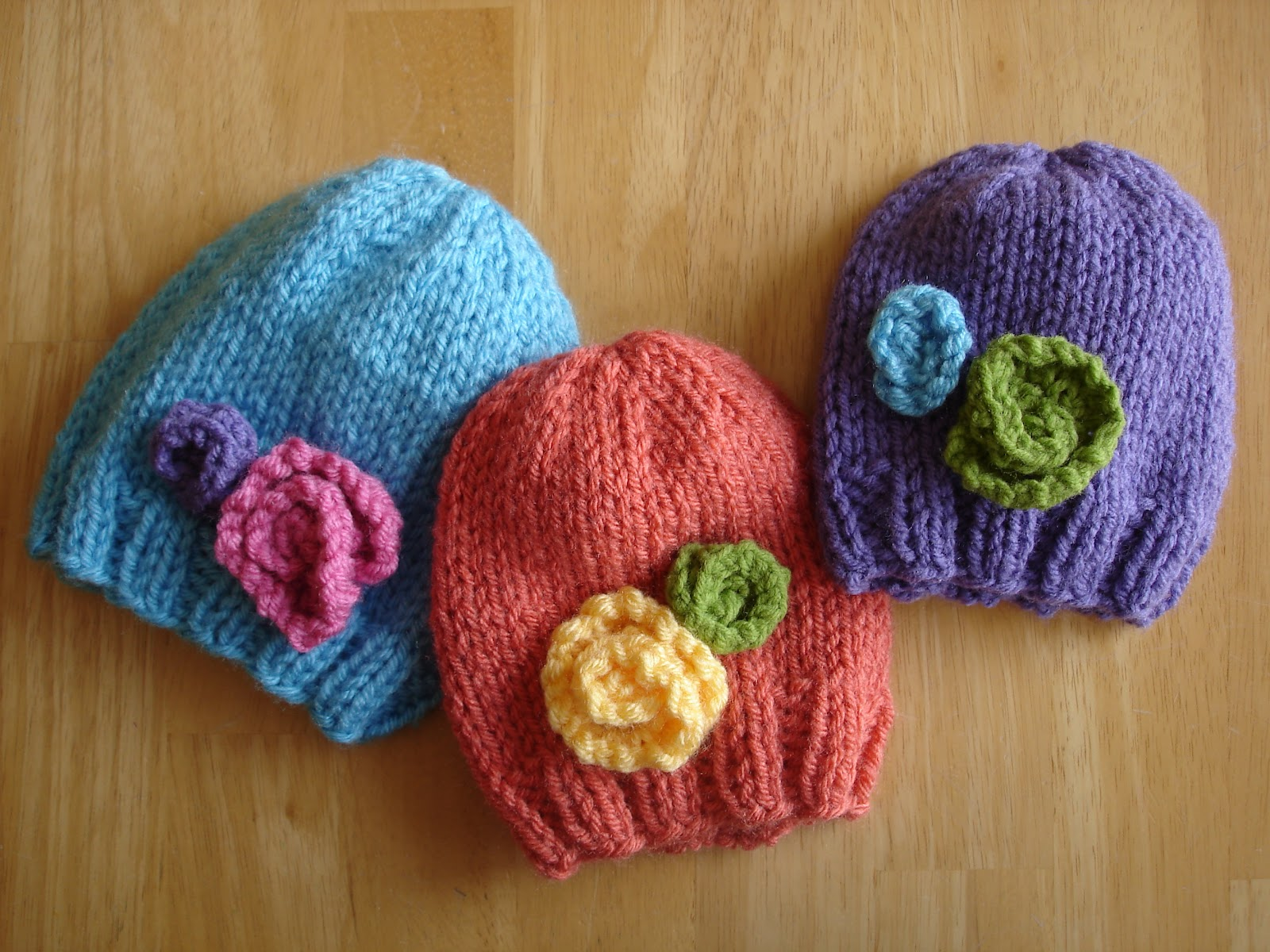 Baby Hat with Flowers Knitting Pattern Tutorial