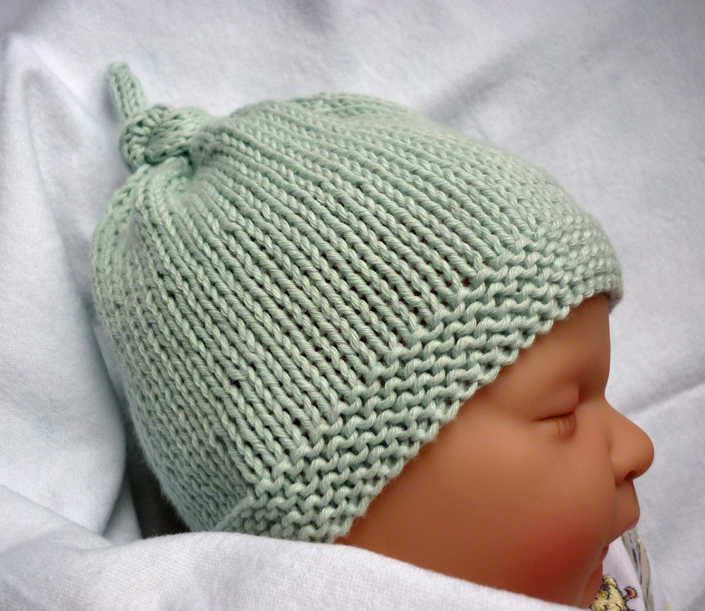 Baby Hat with Top Knot Knitting Pattern