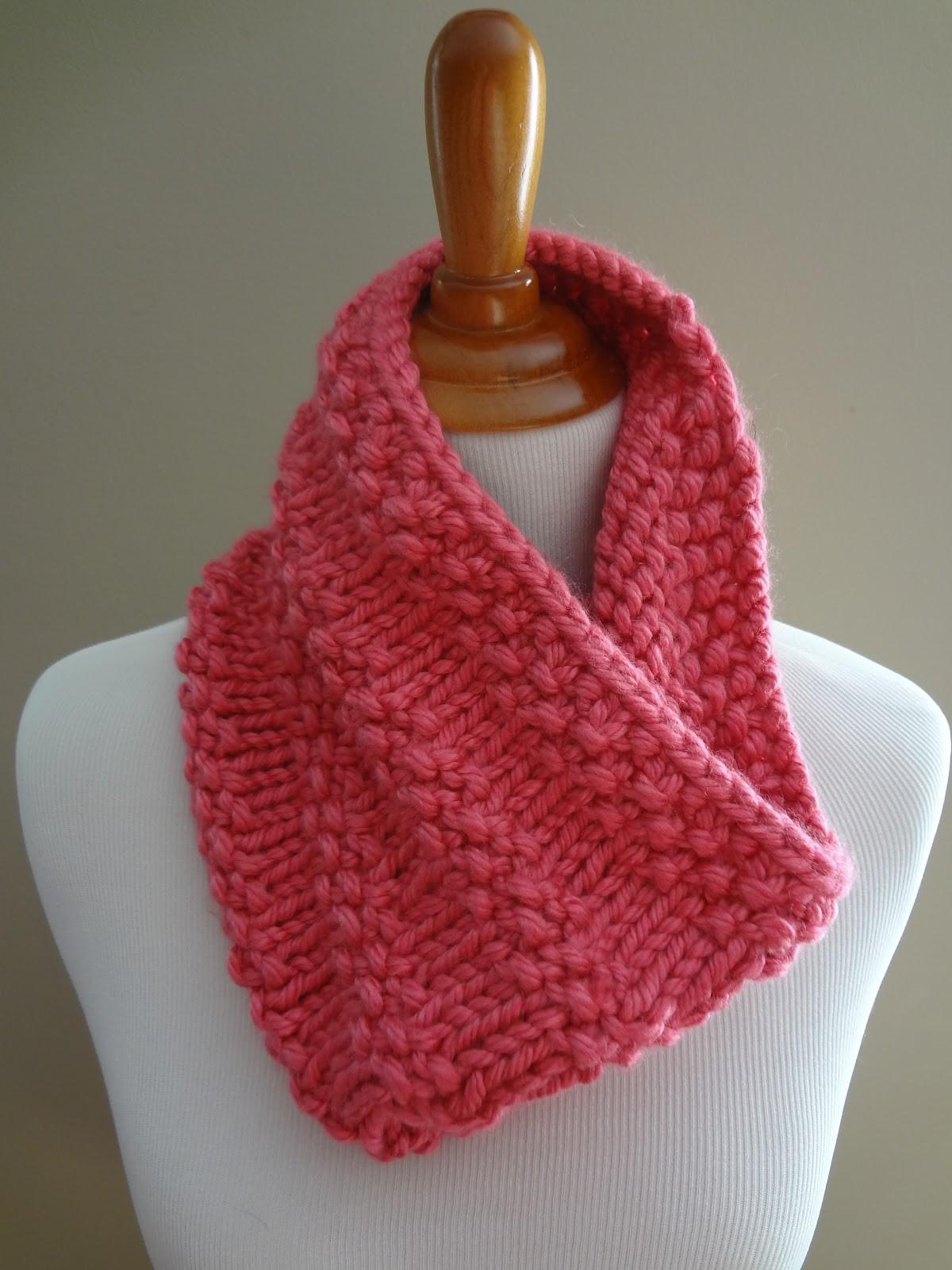 Bubblegum Cowl Knitting Pattern