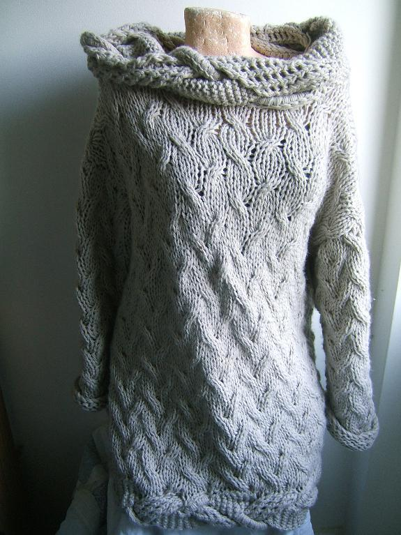 Images of Cable Knit Dress with Trim Pattern
