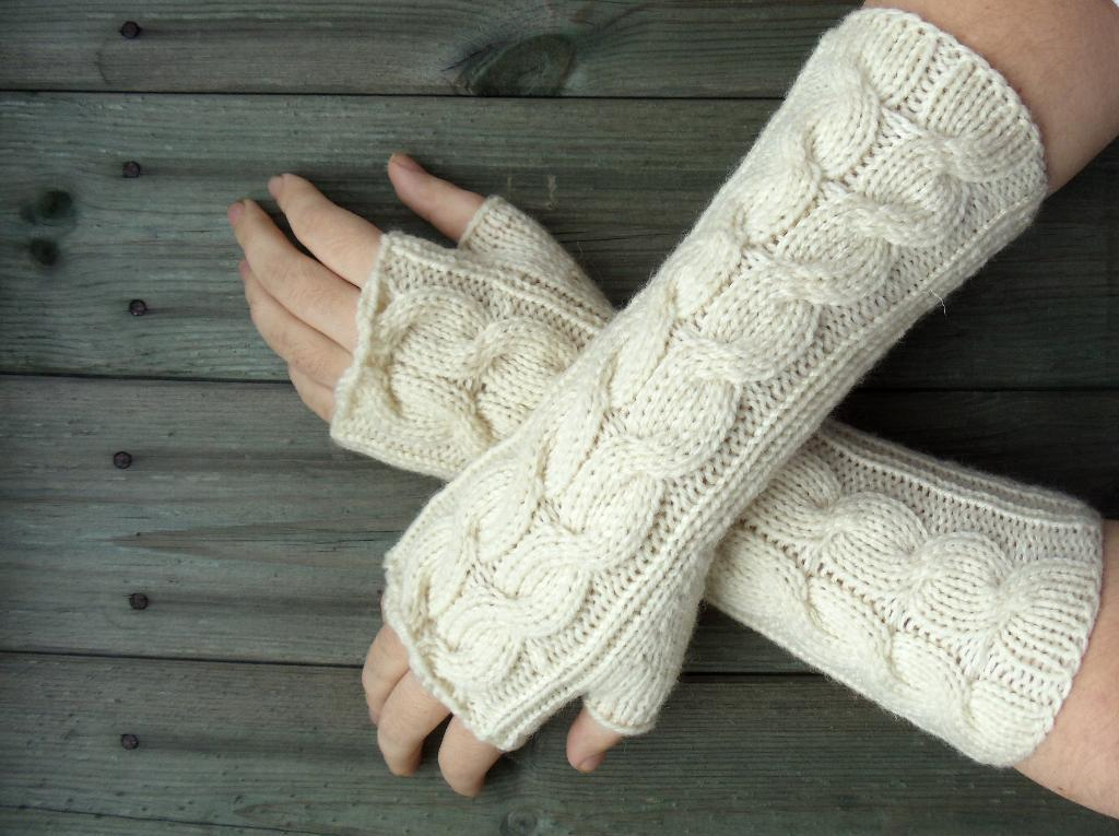Cable Knit Fingerless Gloves Pattern