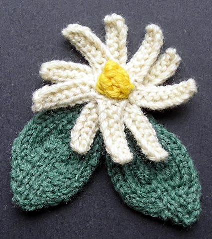 Corsage Flower and Leaves Knitting Pattern