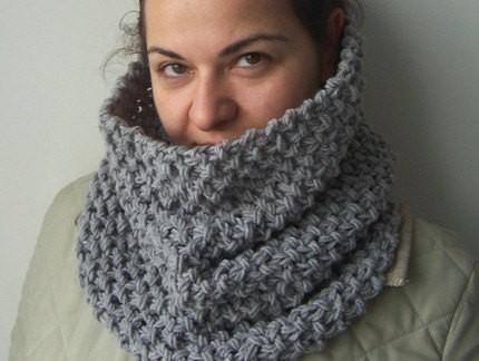 DIY Beginner Cowl Knitting Pattern