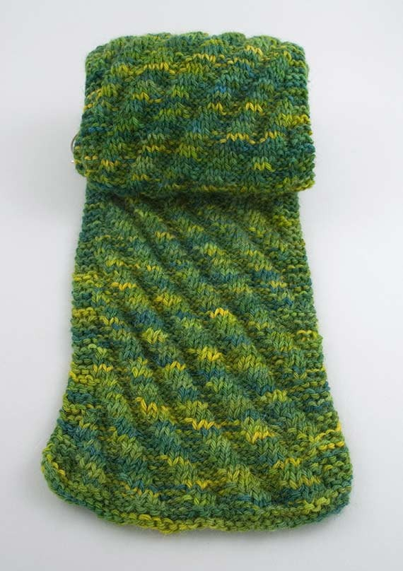 Diagonal Rib Scarf Knitting Pattern
