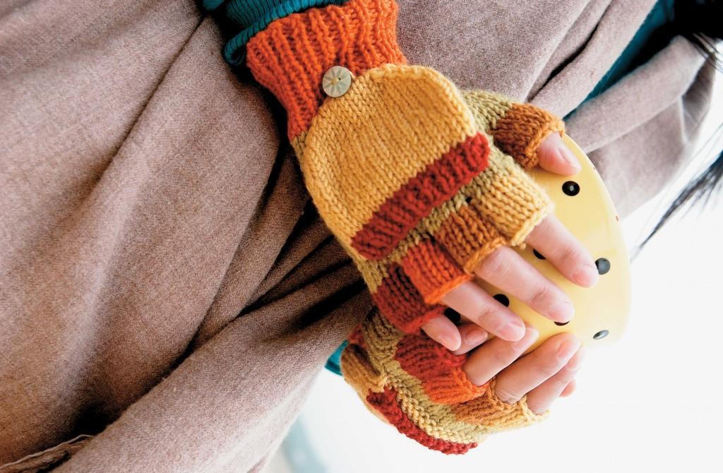 Easy Knitted Fingerless Gloves Pattern