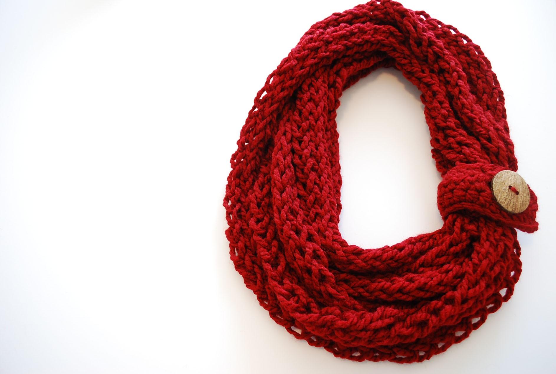 Finger Knit Infinity Scarf Pattern