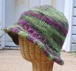 Floppy Brim Women's Hat Knitting Pattern Photo