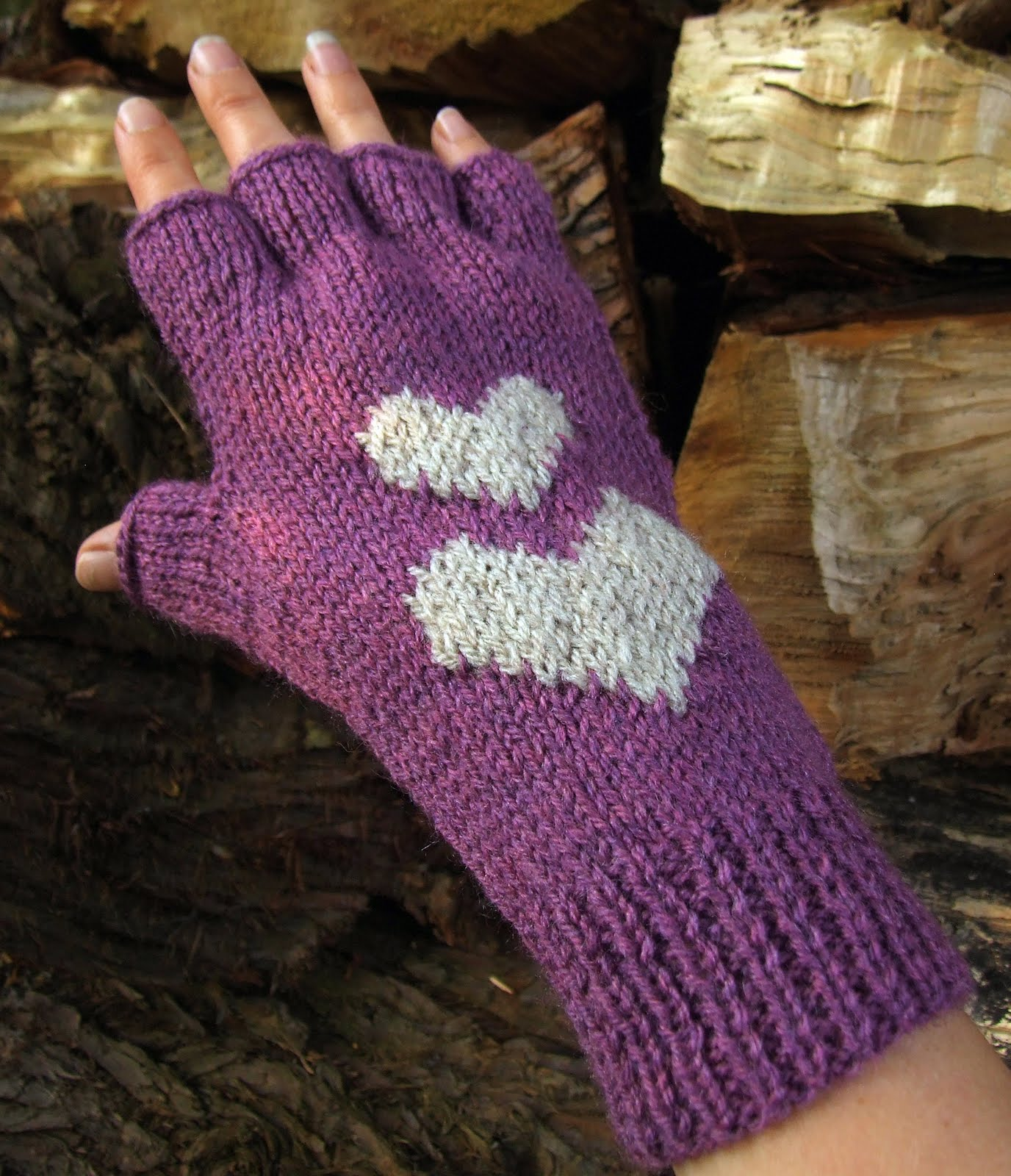 Hearts Fingerless Gloves Knitting Pattern