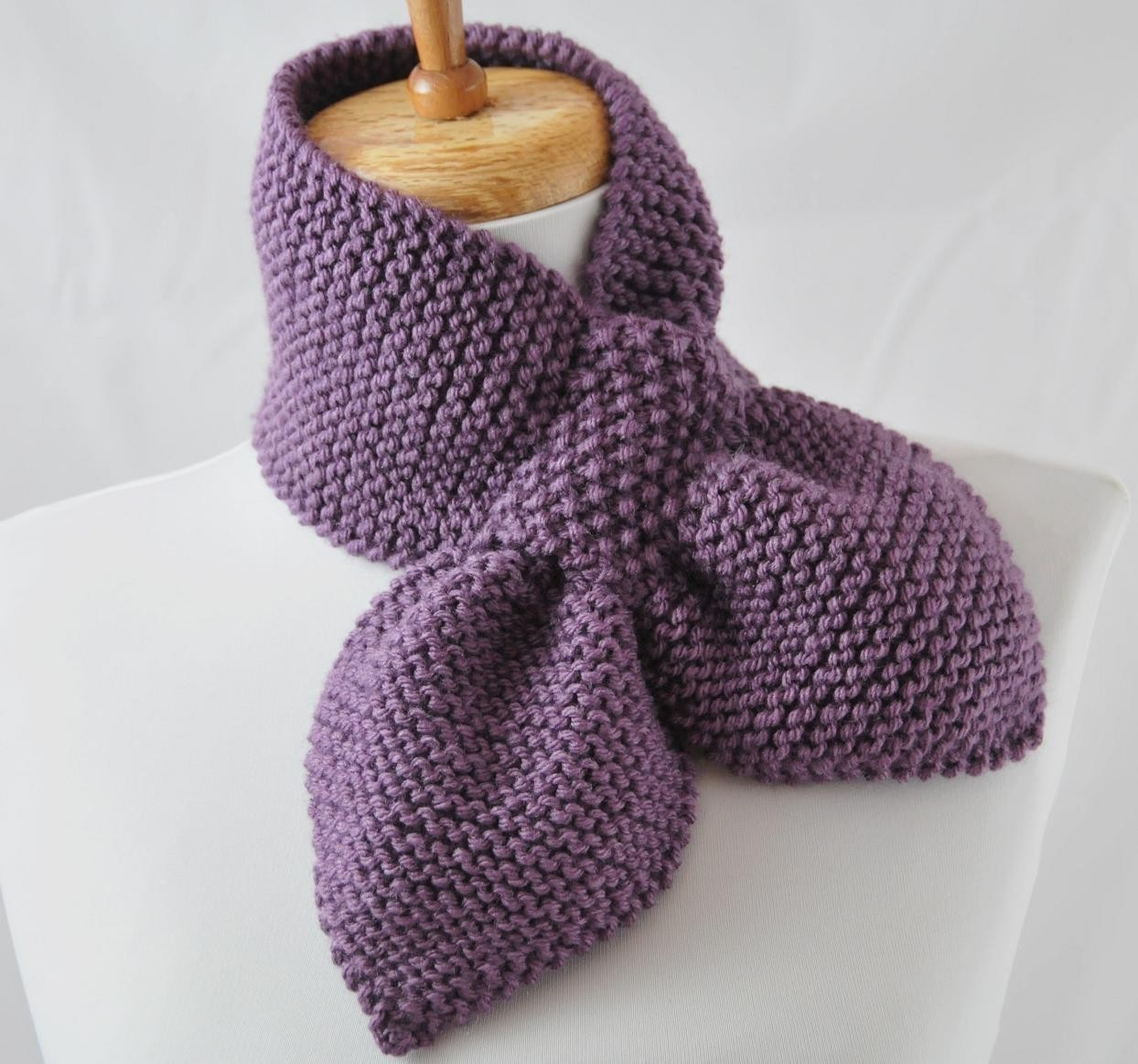 Keyhole Scarf Knitting Pattern Tutorial