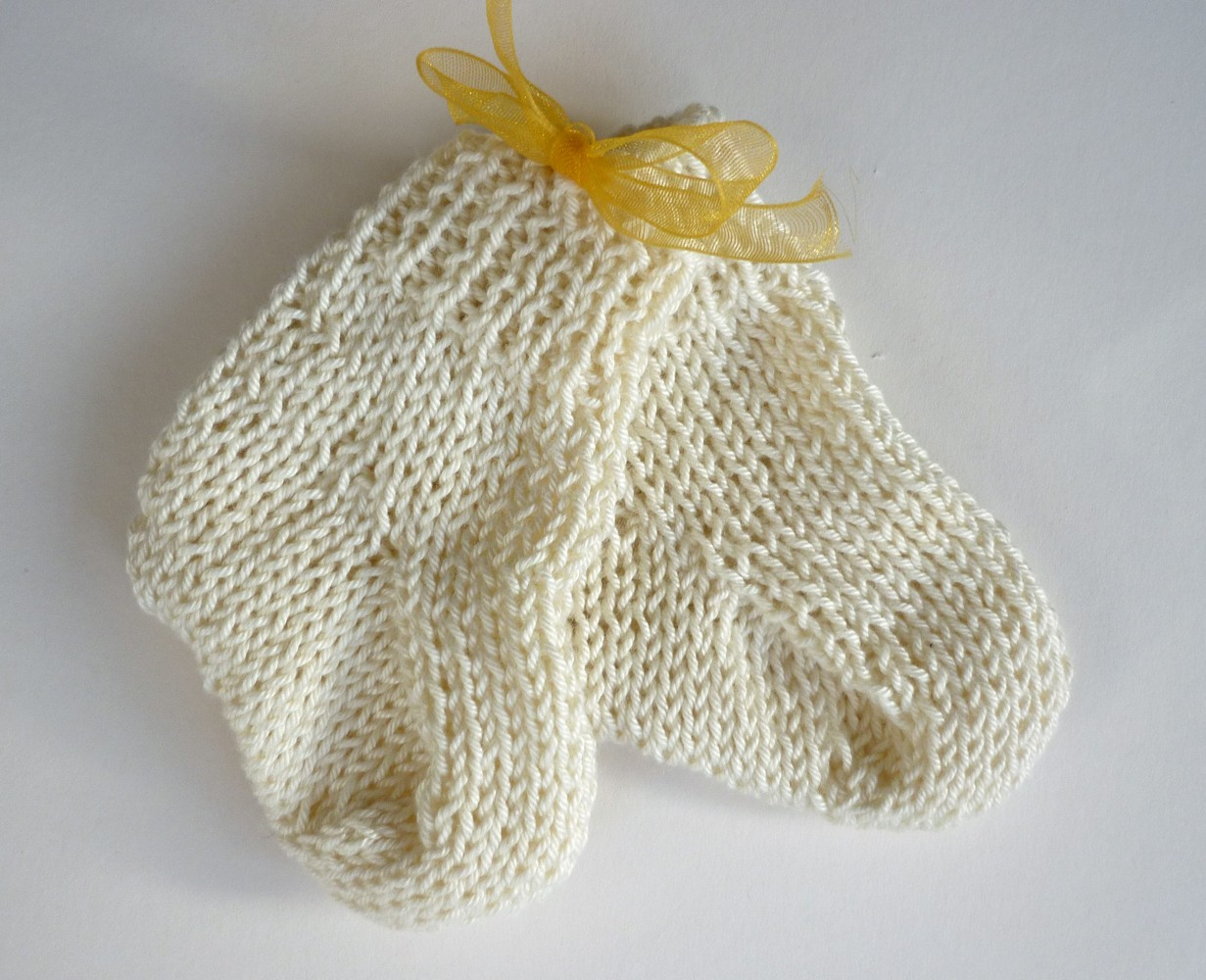 Knitted Baby Socks Pattern