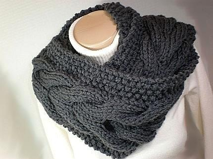 Moebius Circle Cowl Scarf Knitting Pattern