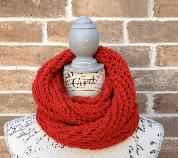Picture of Lacy Infinity Scarf Pattern