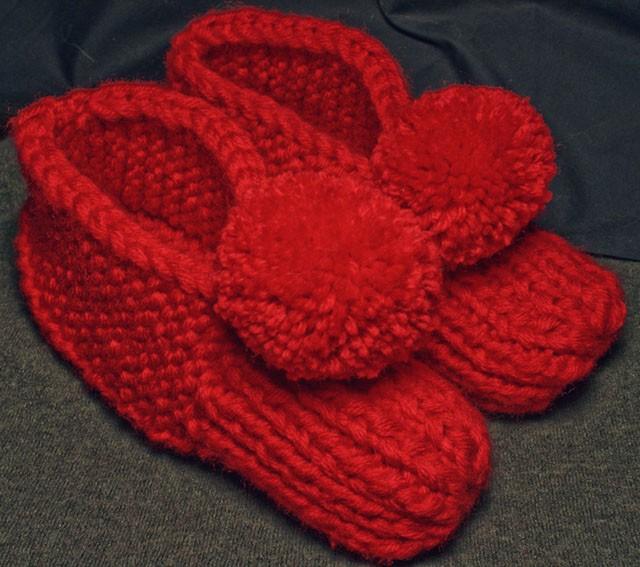 Pom Pom Slipper Knitting Pattern