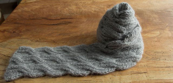 Reversely Cable Knitting Scarf Pattern Pictures