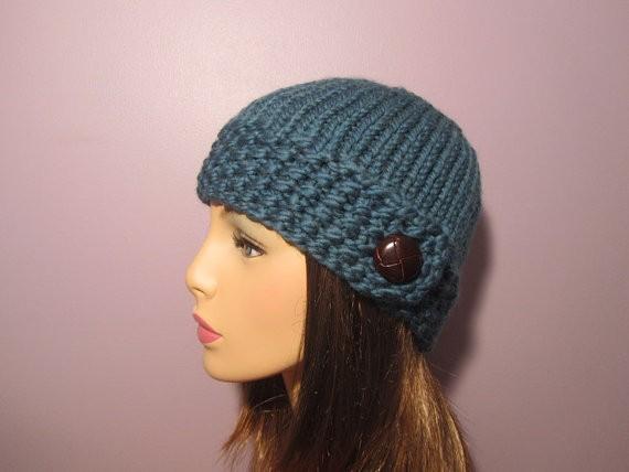 Seed Stitch Buttoned Brim Women's Hat Knitting Pattern