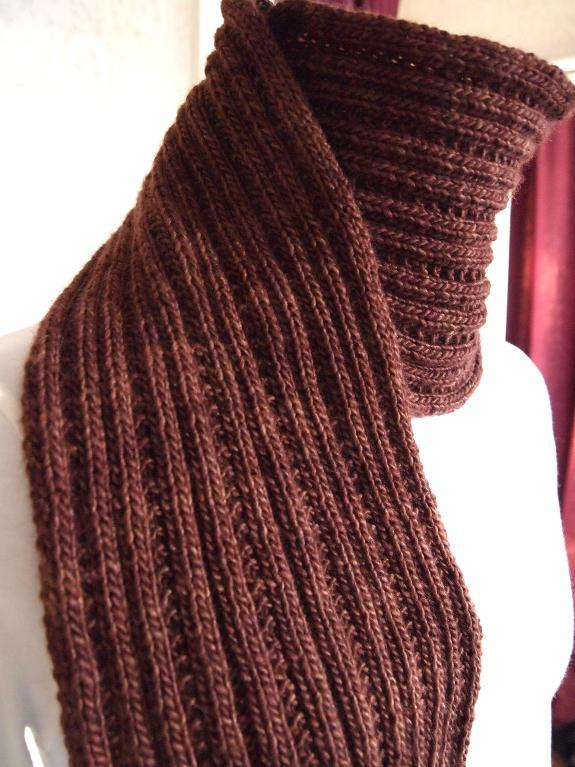 Simply Ribbed Scarf Pattern