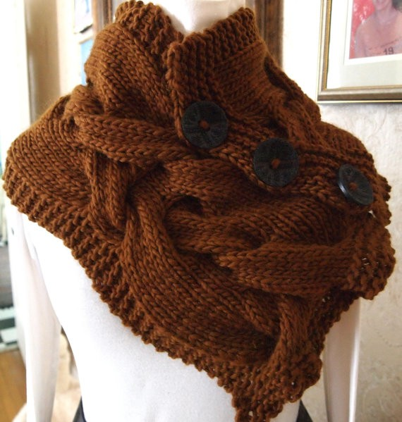 Twist Knitting Cowl Pattern
