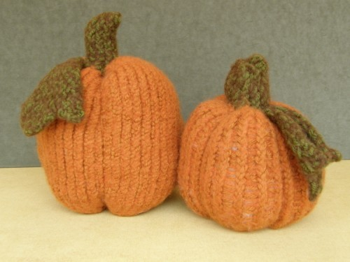 Wooly Felted Pumpkins Loom Knitting Pattern