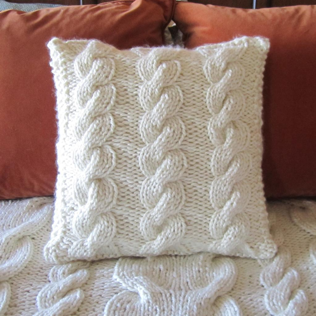 Chunky Cable Pillow Knitting Pattern Picture