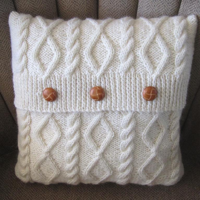 Diamonds and Cables Knit Pillow Cover Pattern