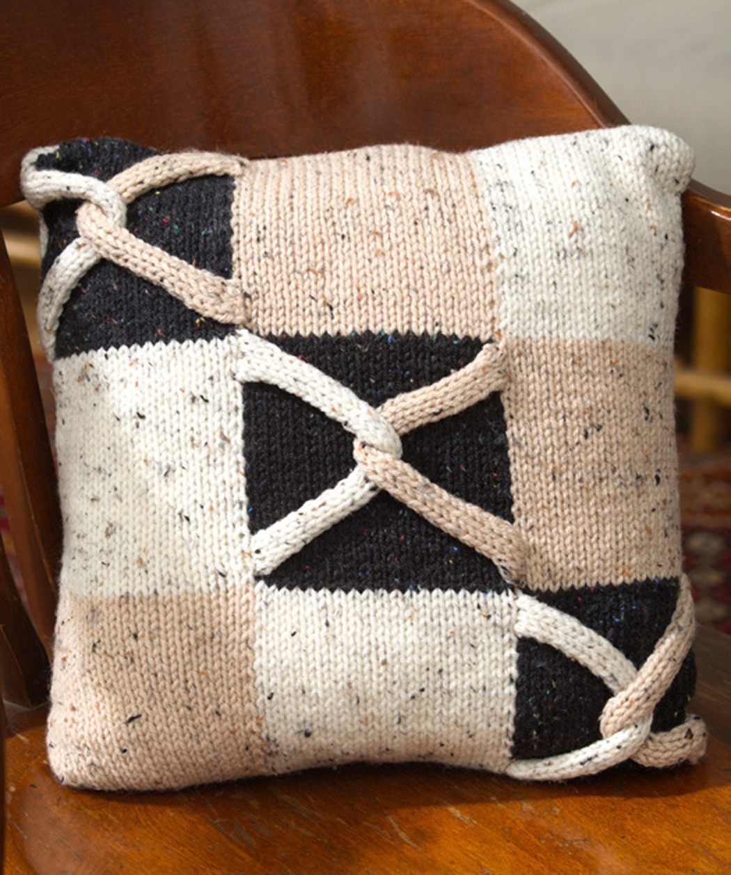 Free Horseshoe Block Pillow Knitting Pattern