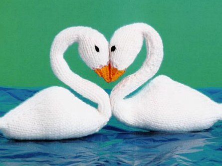 Free Knitted Swan Doll Pattern