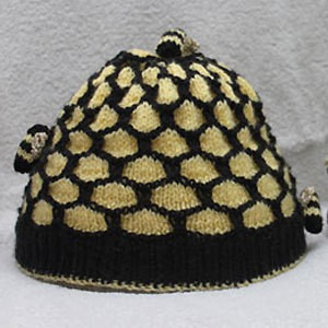 Honeycomb and Bees Hat Knitting Pattern