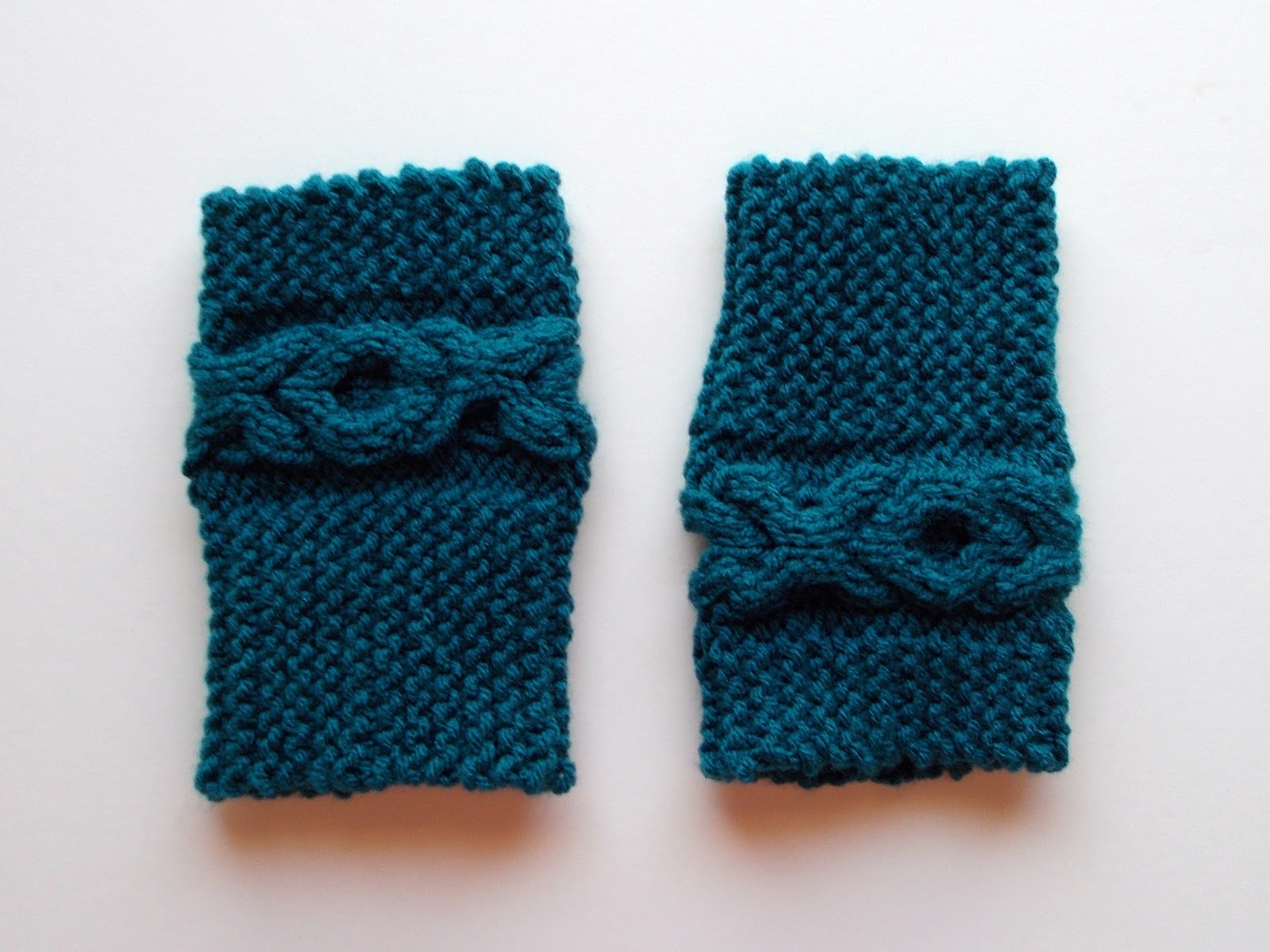 Cable Boot Cuffs Knitting Pattern
