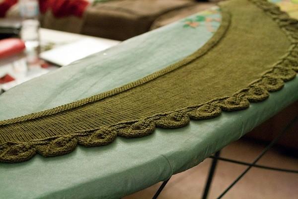 Cedar Leaf Shawlette Knitting Pattern
