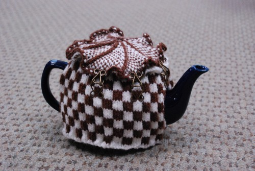 Checkered Tea Cozy Knitting Pattern