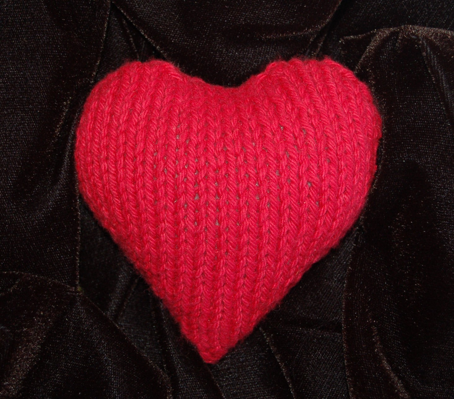 Free Plush Heart Knitting Pattern