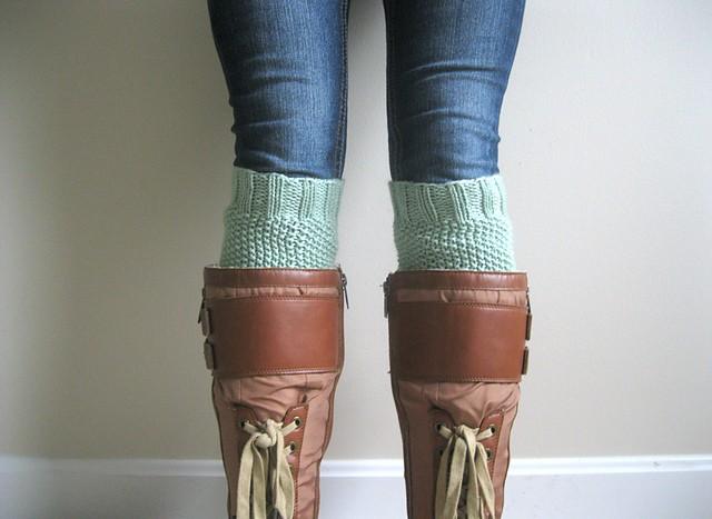 Moss Stitch Boot Cuff Knitting Pattern