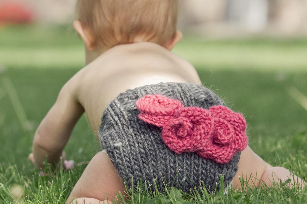Rosette Diaper Cover Knitting Pattern