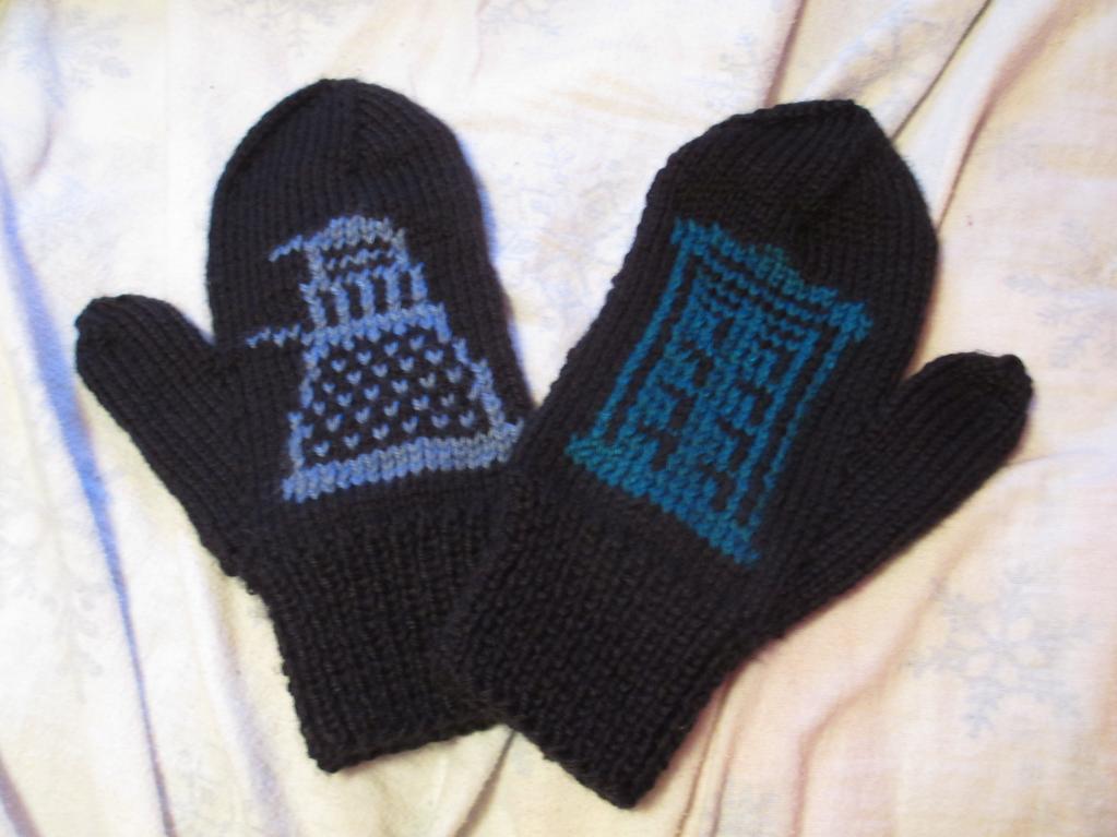 Tardis Mittens Knitting Pattern