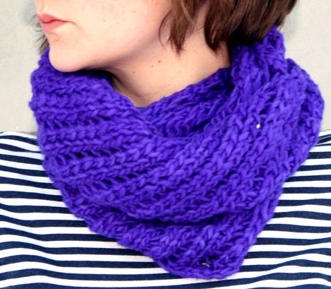 Twist Neck Warmer Knitting Pattern