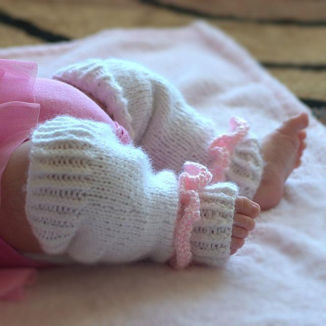 Baby Leg Warmers Knitted Pattern