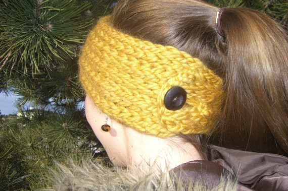Buttoned Ear Warmer Loom Knit Headband Pattern