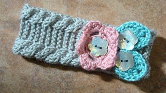 Free Buttoned Knitted Baby Headband Pattern