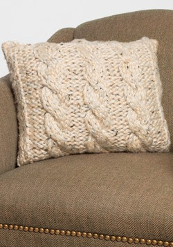 Free Chunky Cable Knitted Pillow Cover Pattern