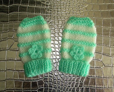 Free Garter Stitch Ridge Baby Mittens Knitting Pattern