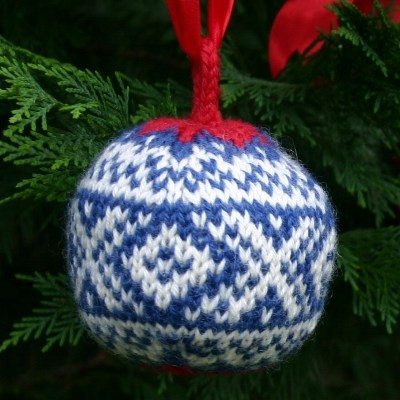 Knit Christmas Bauble Pattern