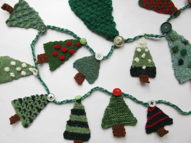 Knit Christmas Tree Garland Pattern