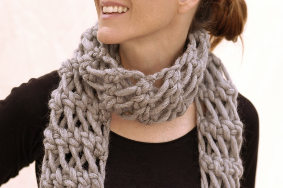 Loose-Knit Net Scarf Pattern