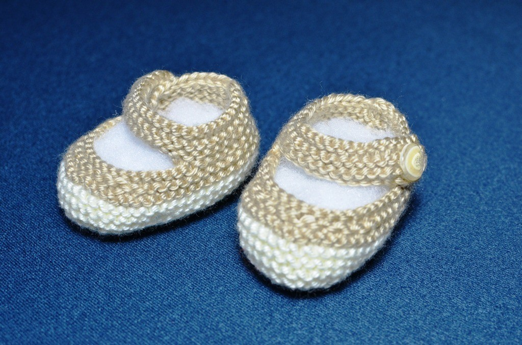 Pictures of Round Knit Baby Booties Pattern