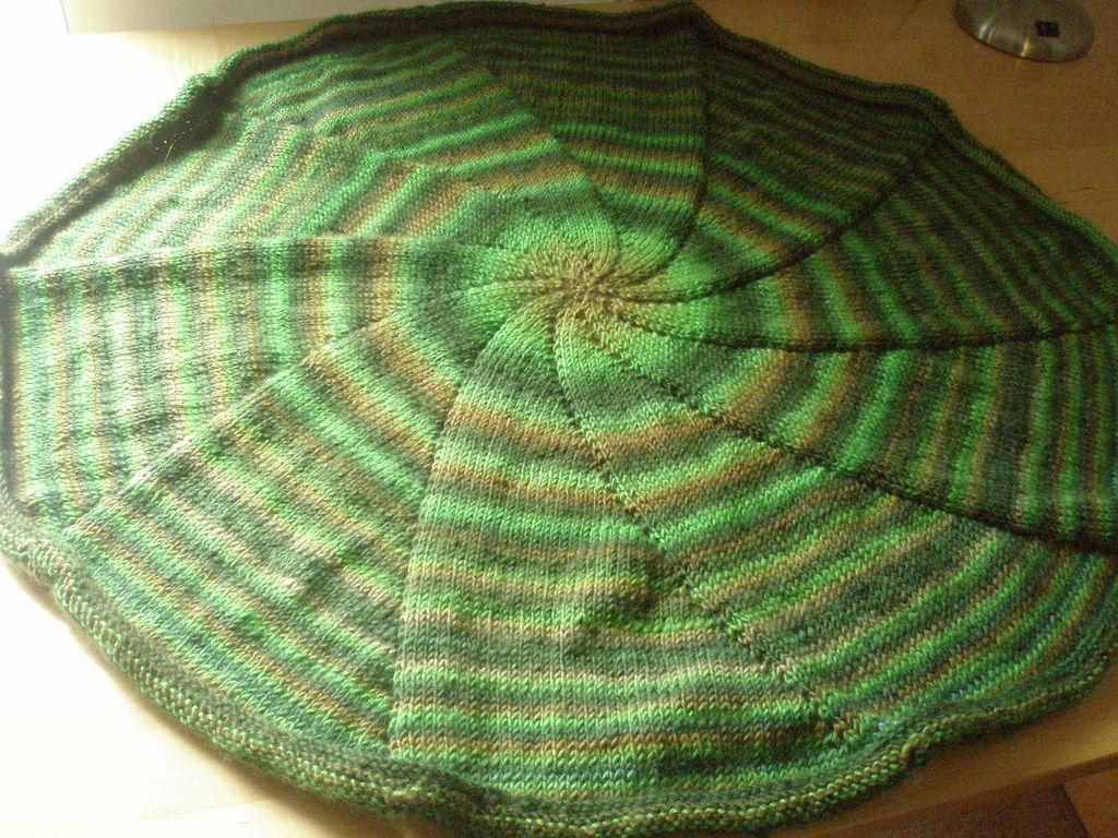 Round Knit Striped Circular Blanket Pattern