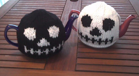 Skull Tea Cozy Knitting Pattern