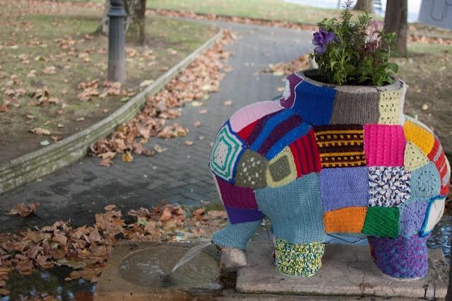 Yarn_bombing