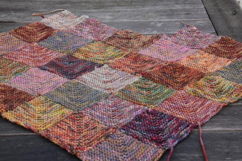 knitting-a-blanket