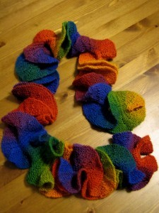 rainbow-potato-chip-scarf-knitting-pattern-225×300
