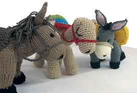 cute-knitted-horses